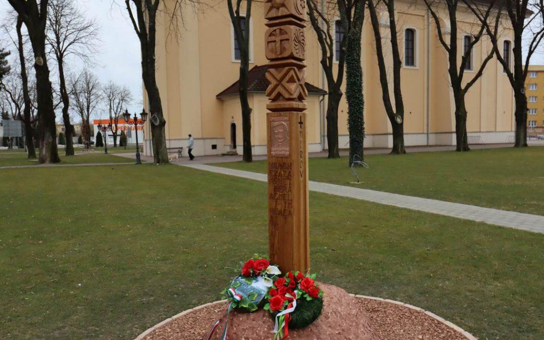 Esterházy emlékoszlop avatás Udvardon, március 14-én