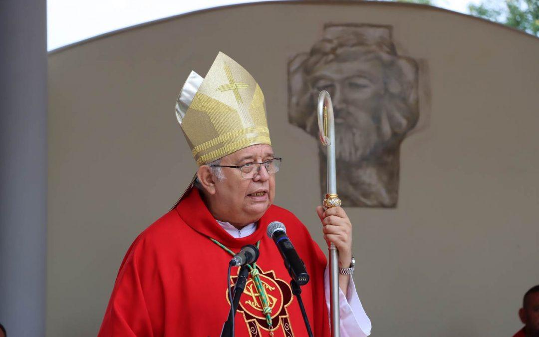 Trnavský arcibiskup Mons. Ján Orosch predniesol homíliu na slávnosti Božieho služobníka Jánosa Esterházyho v Dolných Obdokovciach